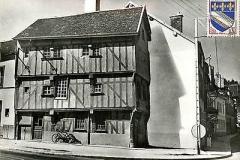 10-BAR-SUR-SEINE-maison-apothicaire
